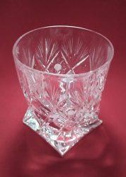 Csavart whisky pohár, Sűrű mintás, 340 ml