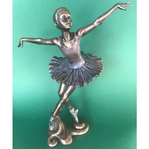 Balerina spicc-tánc szobor